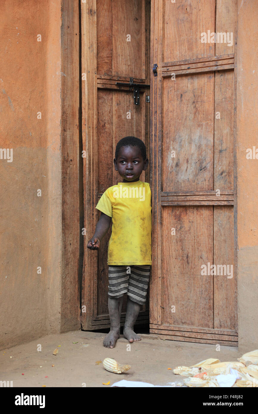 People of the Ari, a little boy is on the doorstep Stock Photo