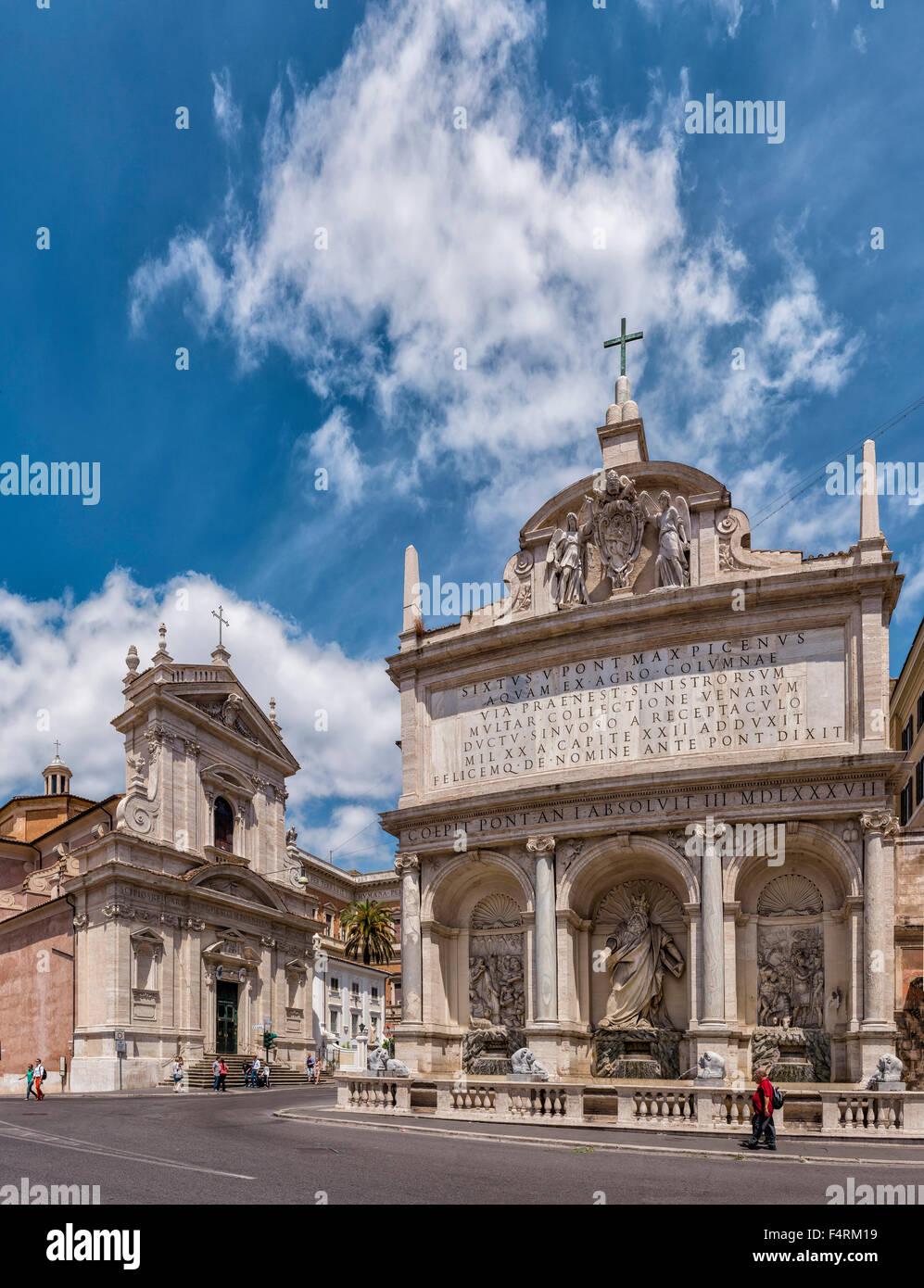 Italy, Europe, Lazio, Rome, Roma, city, village, spring, people, church, Largo di Santa Susanna, Piazzo di San Bernardo - Stock Image