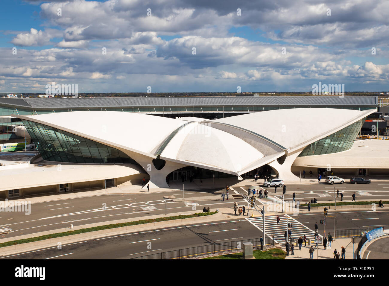 NEW YORK CITY - OCTOBER 18, 2015: View of old space-aged style TWA Flight Center building at John F. Kennedy International - Stock Image