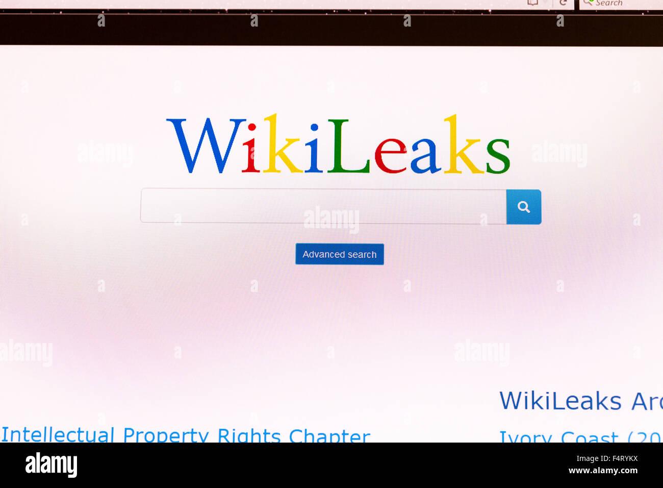 Wikileaks wiki leaks website homepage search scandal online screen screenshot web site internet net sign in UK - Stock Image
