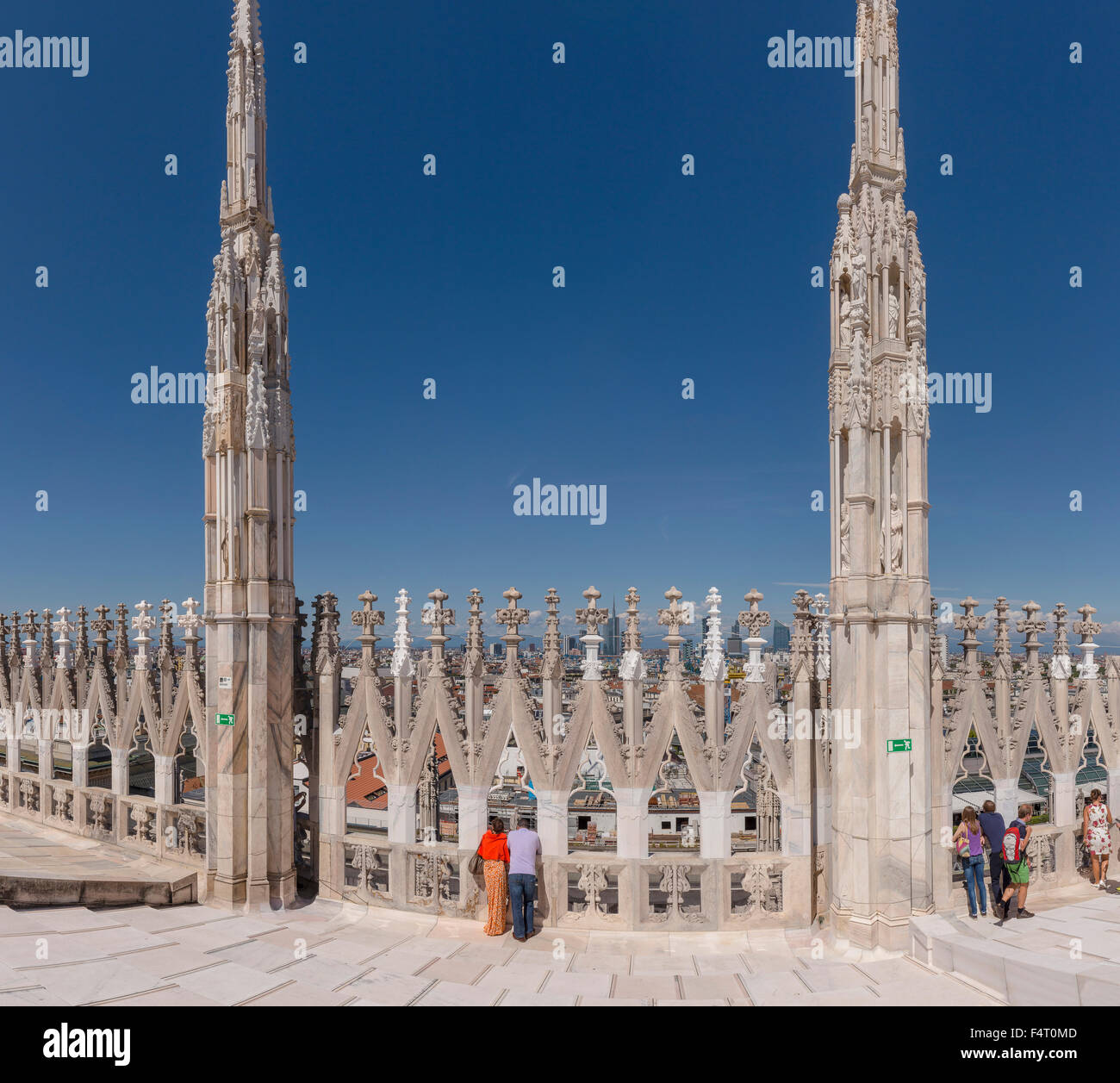 Italy, Europe, Milano, Lombardy, View, rooftop, Duomo di Milano, dome, city, summer, people, - Stock Image
