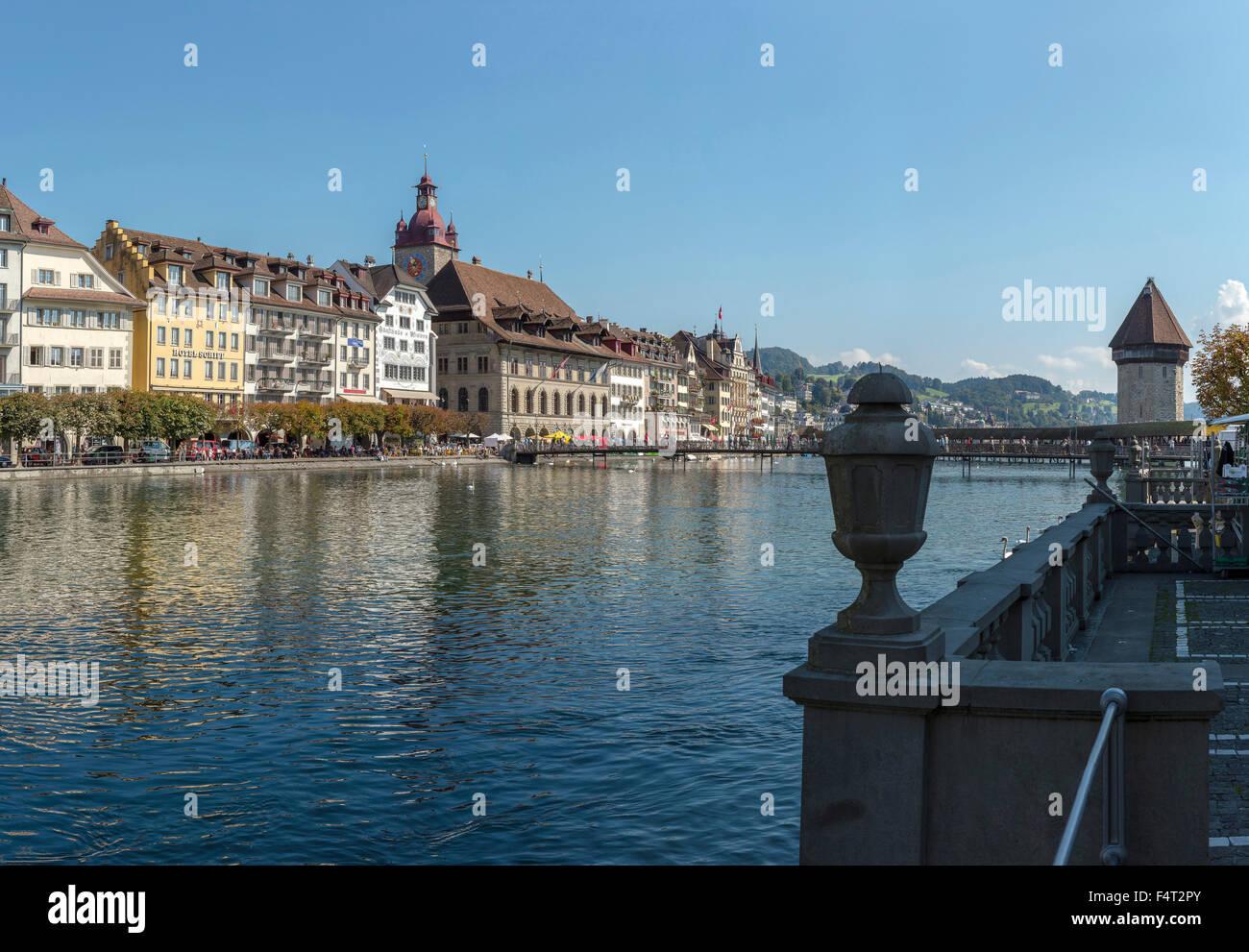 Switzerland, Europe, Luzern, Lucerne, embankment, Unter der Egg, Rathaussteg, bridge, city, water, summer, mountains, - Stock Image