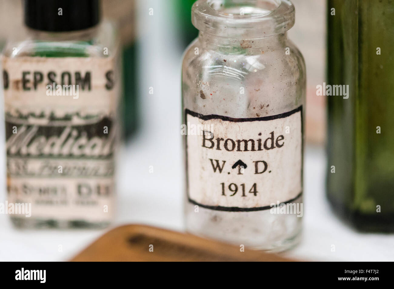bromide personals Ethidium bromide is an odorless solid that is irritating to the eyes, skin, mucous membranes, and upper respiratory tract ethidium bromide is a potent mutagen and should be treated as a possible reproductive hazard and carcinogen.