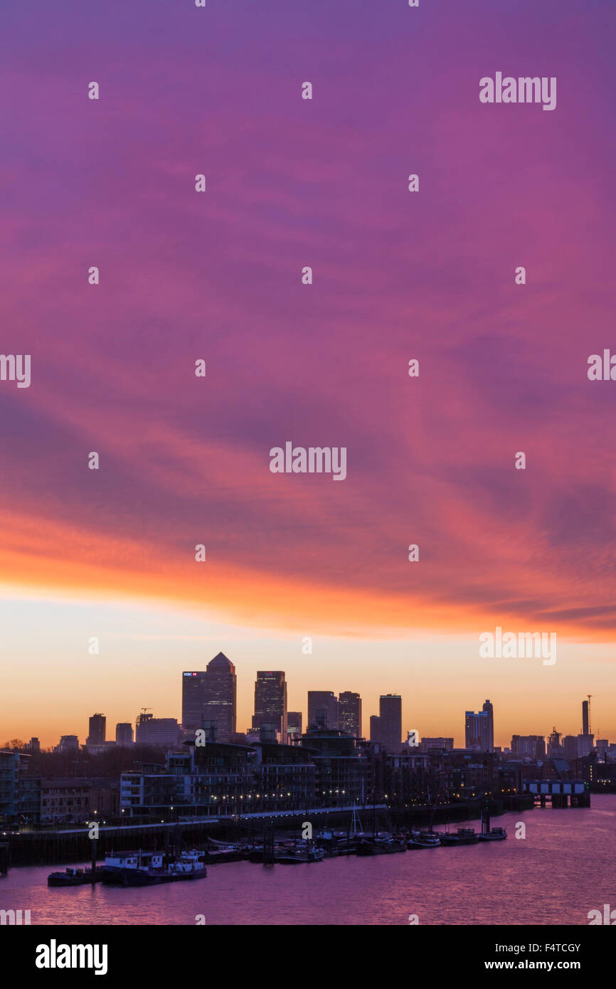 England, London, Docklands, Canary Wharf Skyline - Stock Image