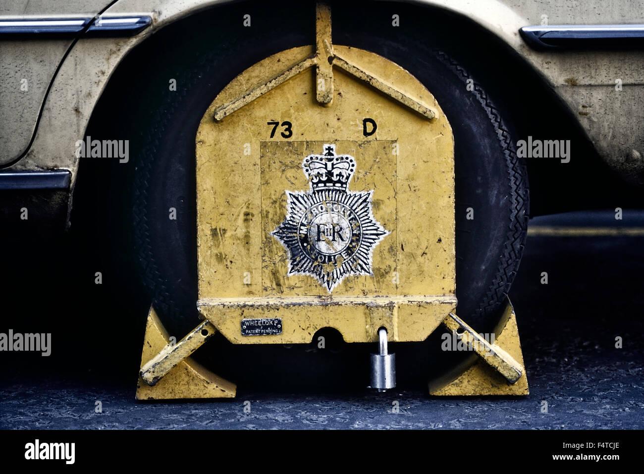 Metropolitan Police wheel clamp. London, UK Circa 1980's - Stock Image