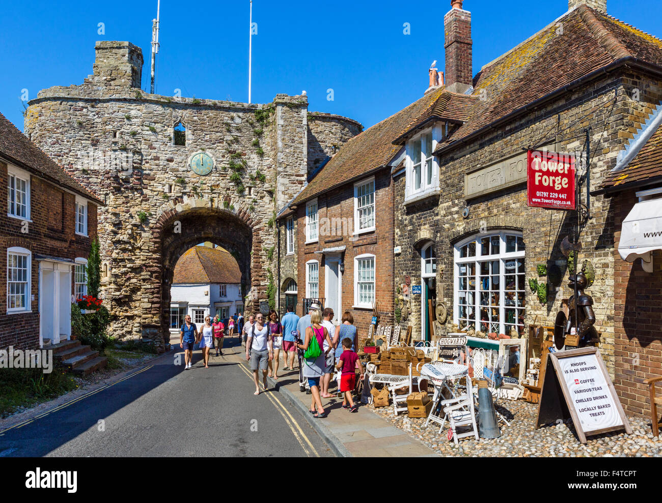 The 14thC Landgate arch, an historic entrance into the old town, Rye, East Sussex, England, UK - Stock Image