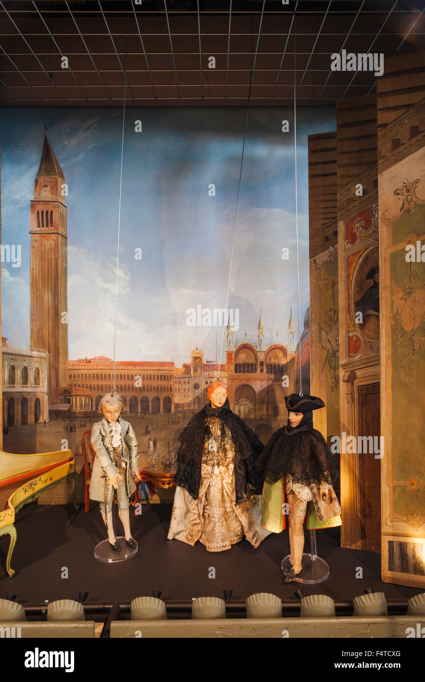 England, London, Bethnal Green, V&A Museum of Childhood, Italian Puppet Theatre dated 1700-1800 - Stock Image