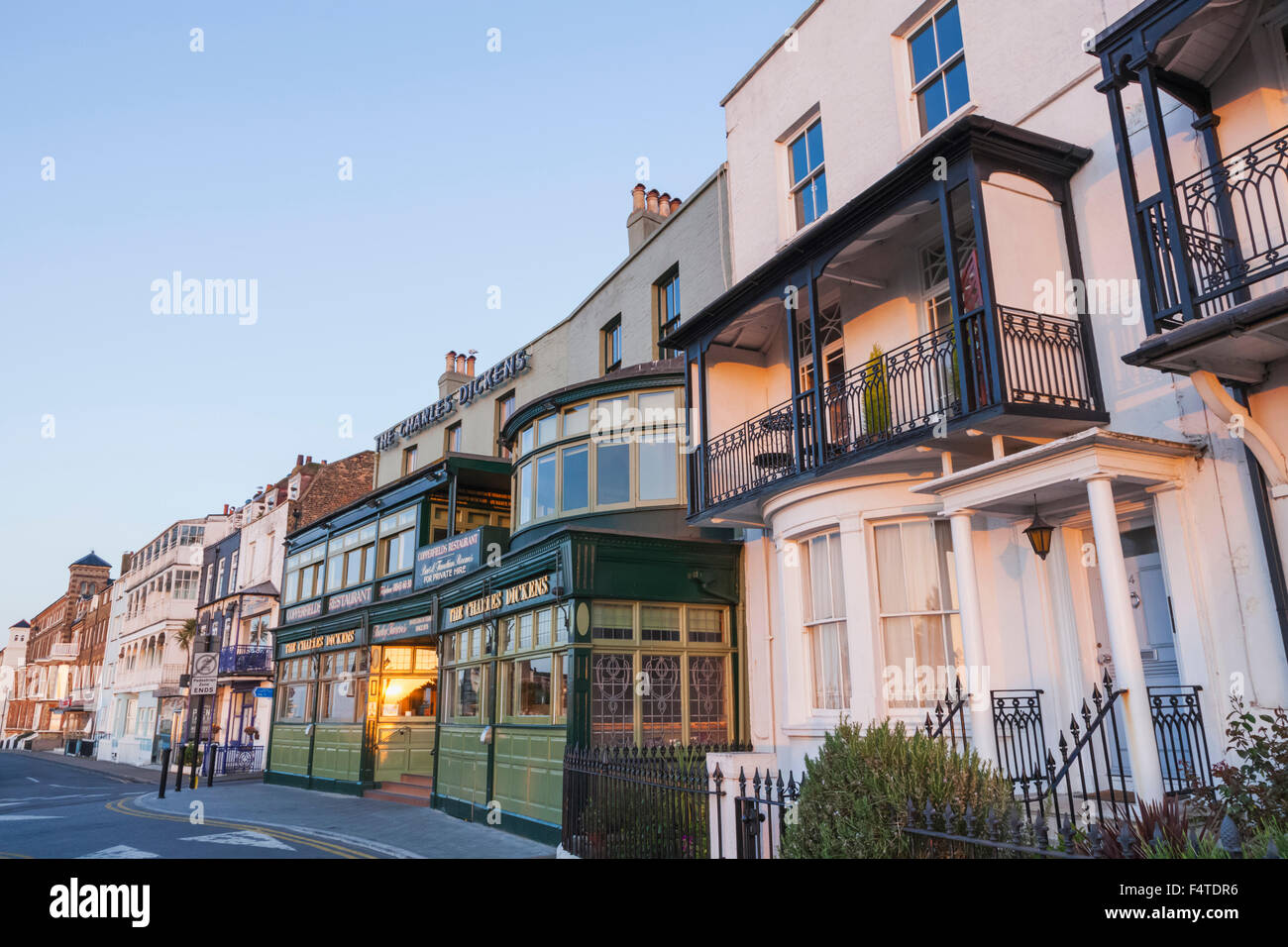 England, Kent, Broadstairs, Victoria Parade and The Charles Dickens Tavern - Stock Image