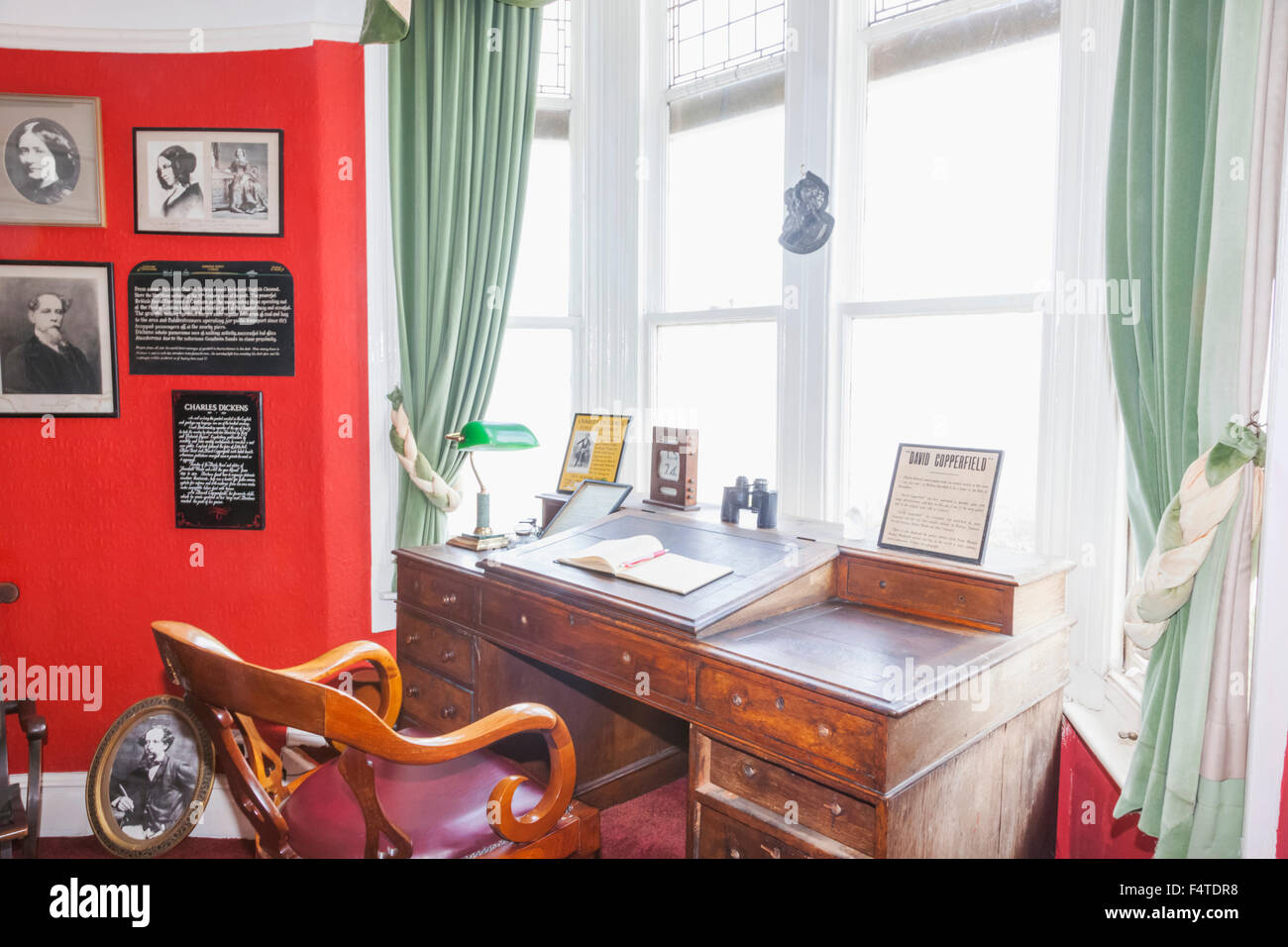 England, Kent, Broadstairs, Bleak House, The Charles Dickens Study and Writing Desk - Stock Image