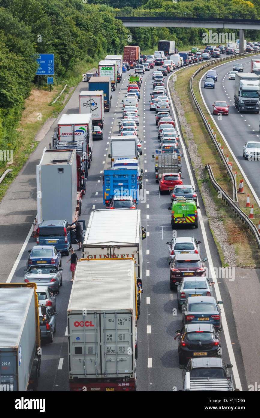 England, Hampshire, Motorway Traffic Jam - Stock Image