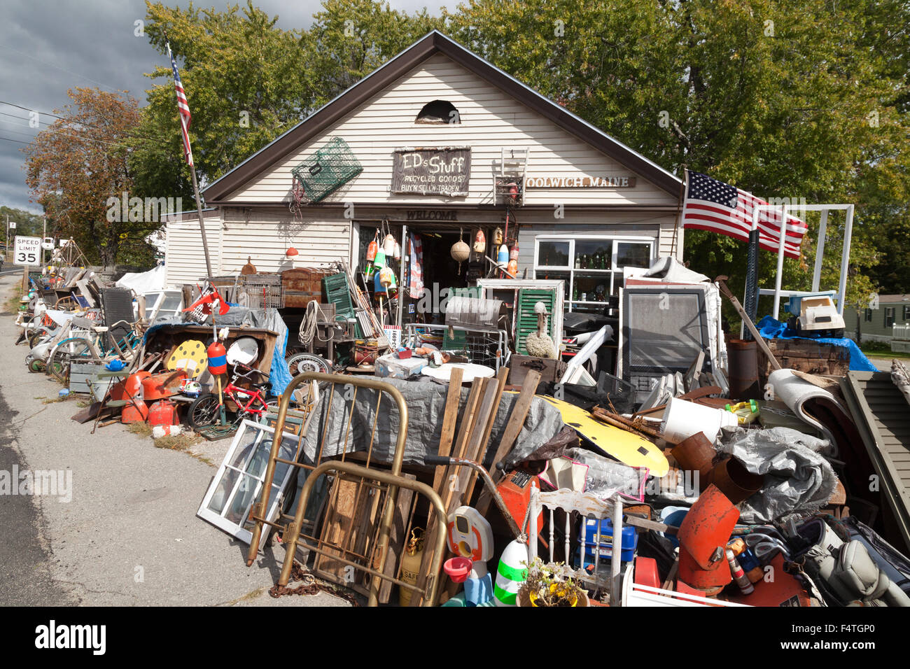 A second hand knick knack store, Maine USA - Stock Image