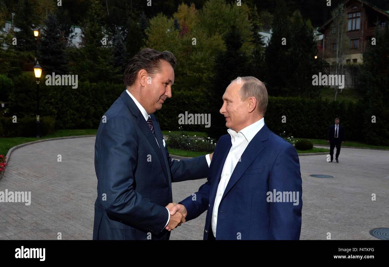 Russian President Vladimir Putin greets Bo Inge Andersson, President of AVTOVAZ car company before the unveiling - Stock Image