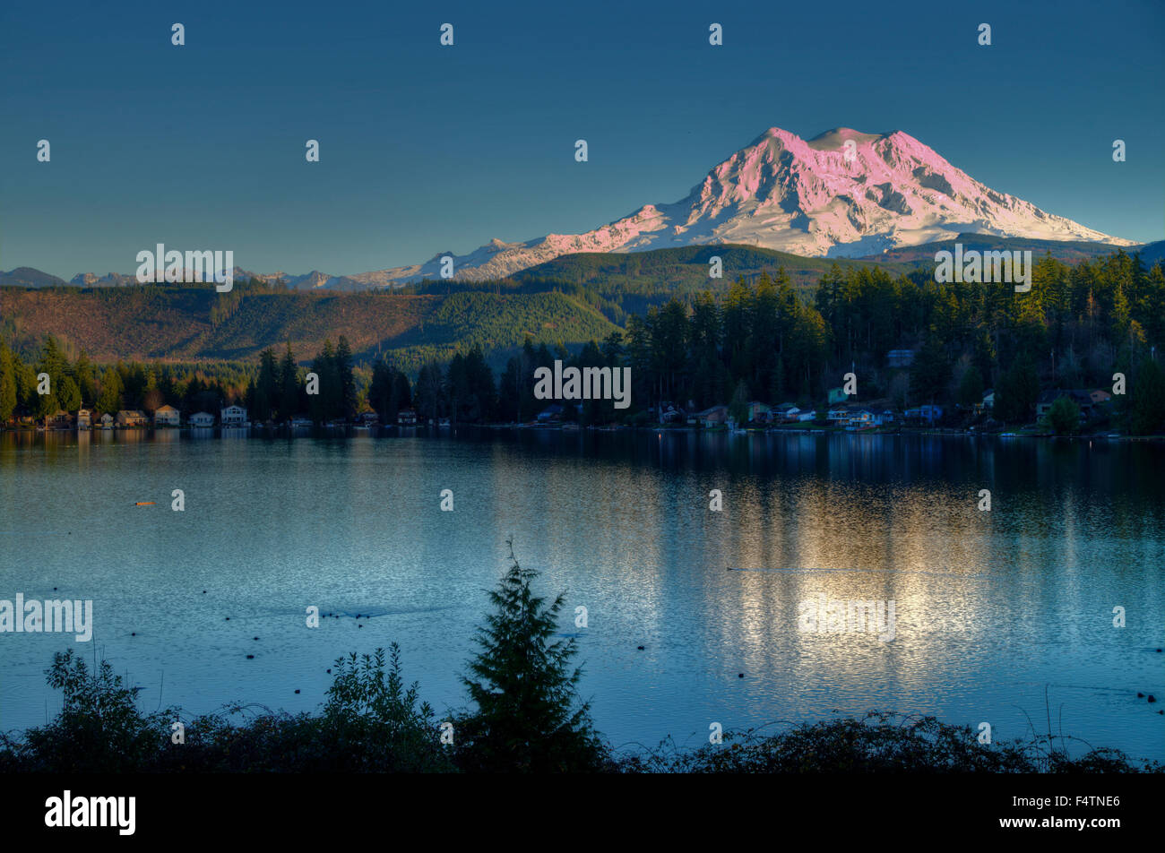 mount shasta, lake, clear lake, California, USA, America, landscape - Stock Image