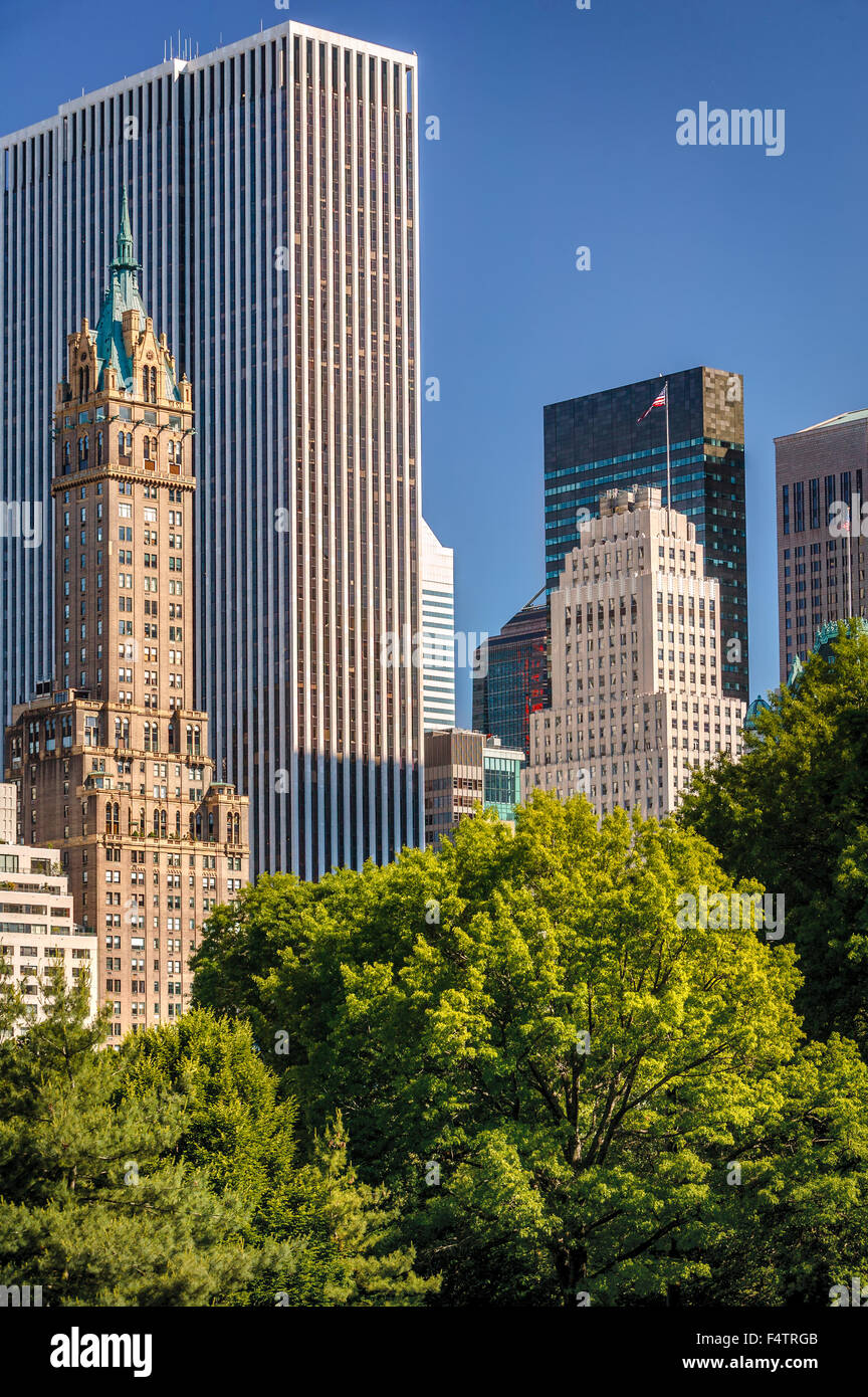 Summer View of Midtown Manhattan Skyscrapers and South East Central Park, New York City - Stock Image