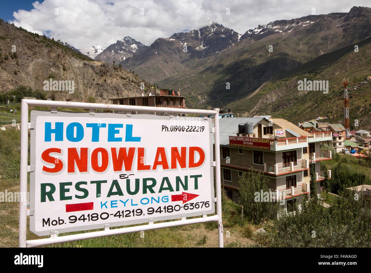 India, Himachal Pradesh, Lahaul and Spiti, Keylong, Hotel Snowland accommodation sign - Stock Image