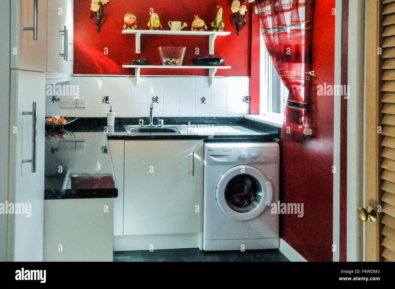 Laundry Room Sink Stock Photos & Laundry Room Sink Stock Images - Alamy