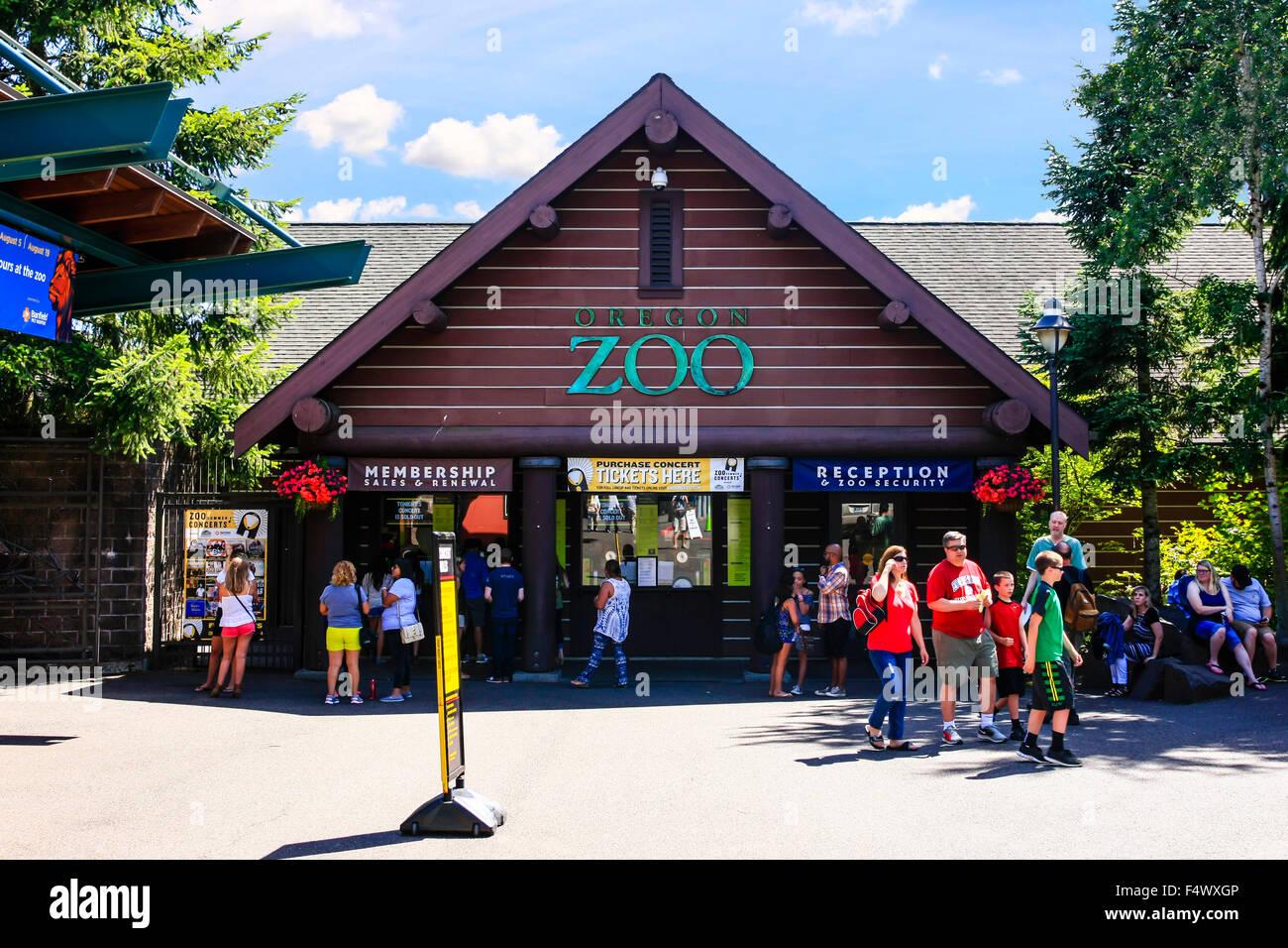 Entrance to the Portland Zoo at Washington park, Portland Oregon Stock Photo