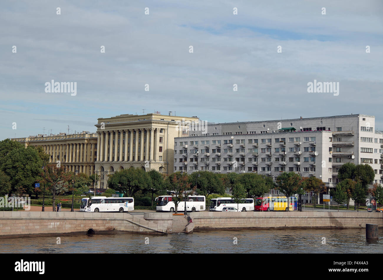 St Petersburg, Building fronting Trinity Square - Stock Image