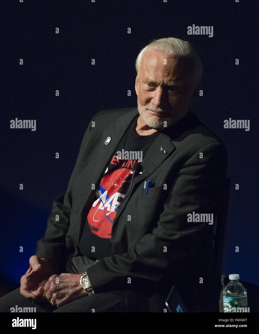 Garden City, New York, USA. 23rd Oct, 2015. Former NASA astronaut Edwin BUZZ ALDRIN is in conversation about his - Stock Image