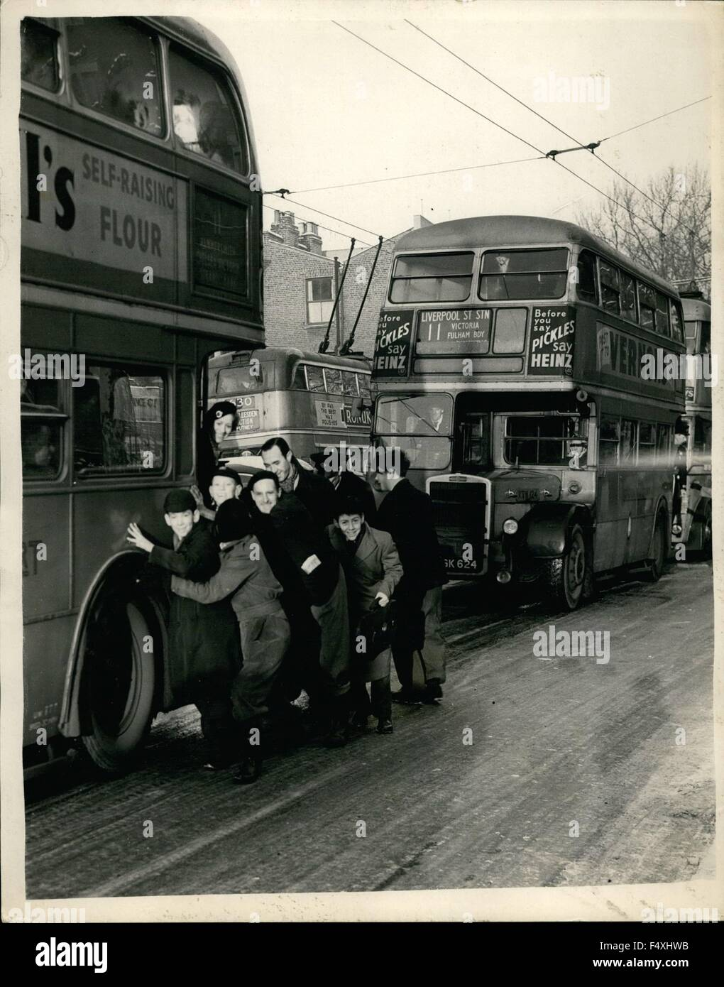 1954 - Ice-bound roads dislocate traffic One of the worst traffic hold-ups in the history of London Transport in - Stock Image