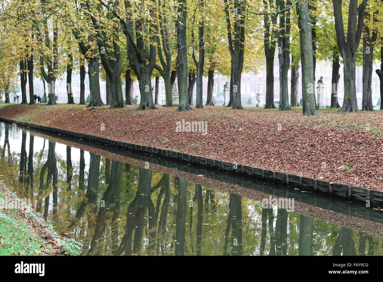 Nordkirchen, Germany. 24 October 2015. Autumn at the 'Versailles of Westphalia', the stunning baroque palace - Stock Image