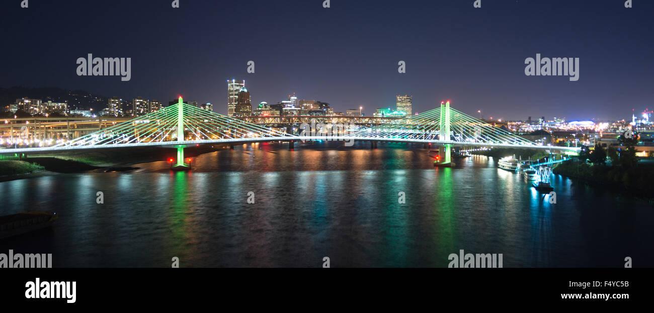 The newest bridge across Portland's famous riverfront - Stock Image