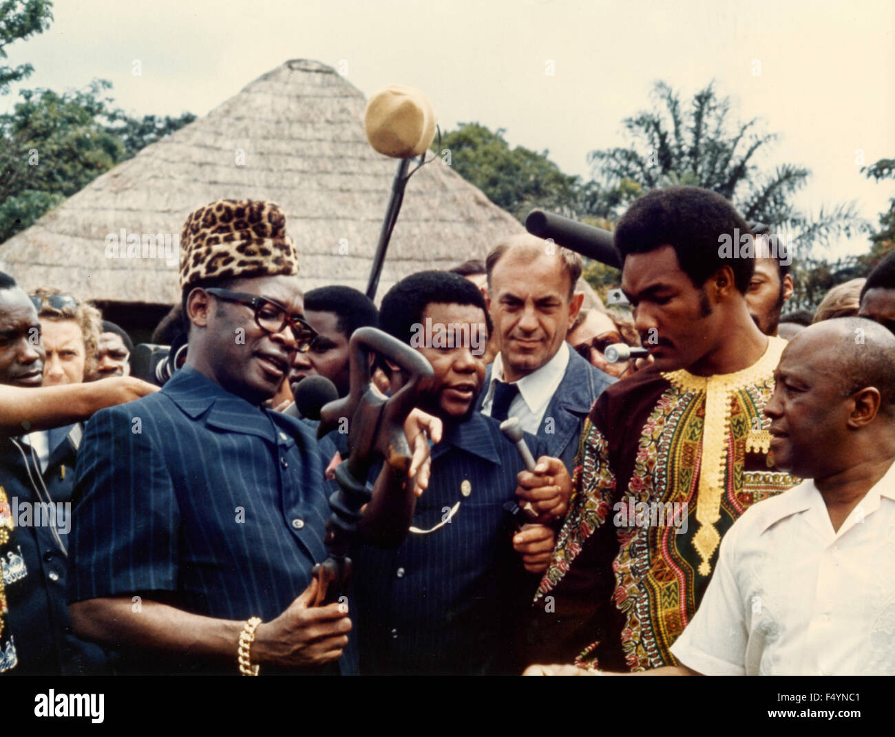 The boxer George Foreman with President Mobutu Sese Seko of Zaire, Kinshasa, Zaire - Stock Image