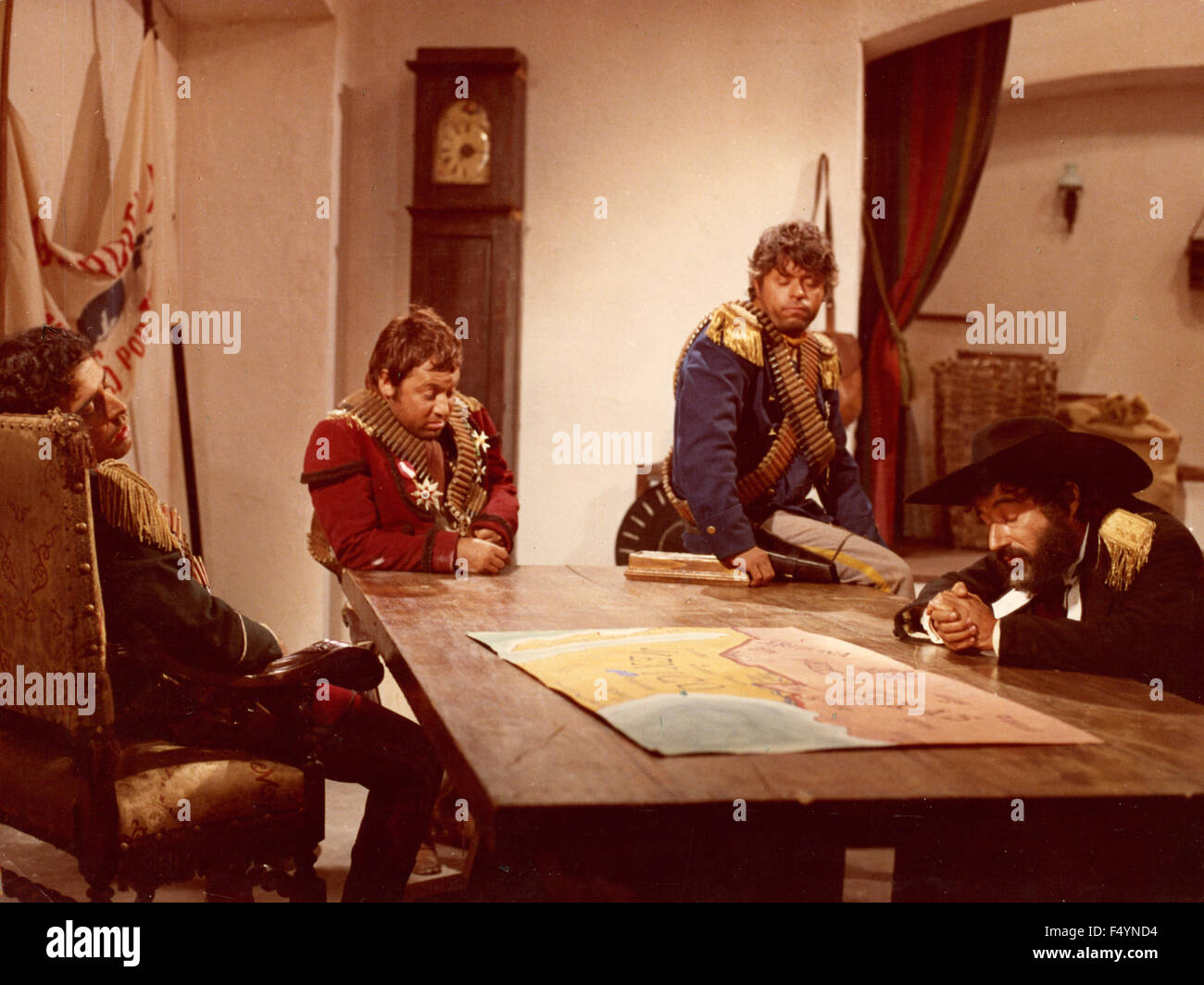 Paolo Villaggio, Lino Toffolo, Enrico Montesano e Oreste Lionello in the movie 'I Quattro del Pater Noster', - Stock Image