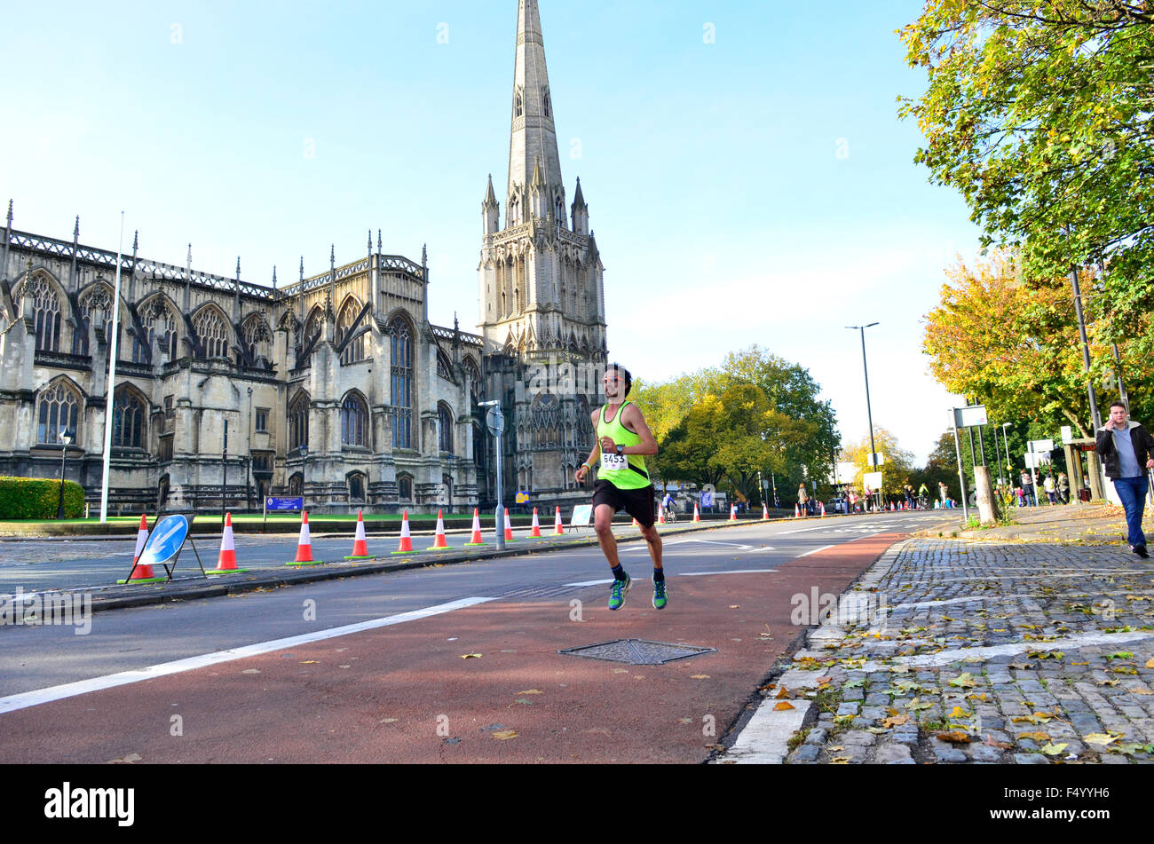 Bristol UK. 25th Oct 2015. First time Event  Run. Bristol + Bath City to City Marathon started to day with approx - Stock Image