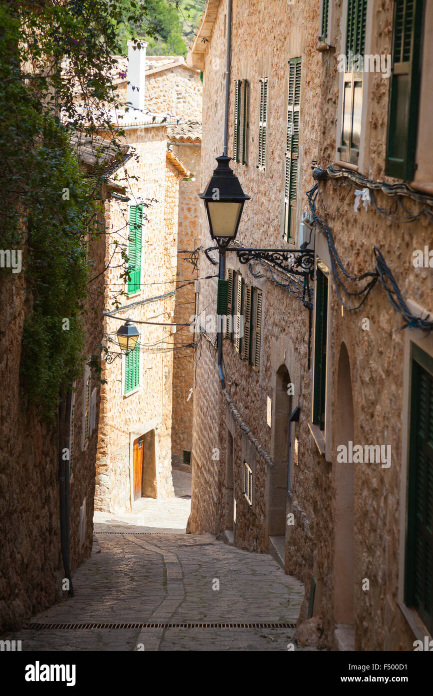 The old streets of Fornalutx on Mallorca - Stock Image