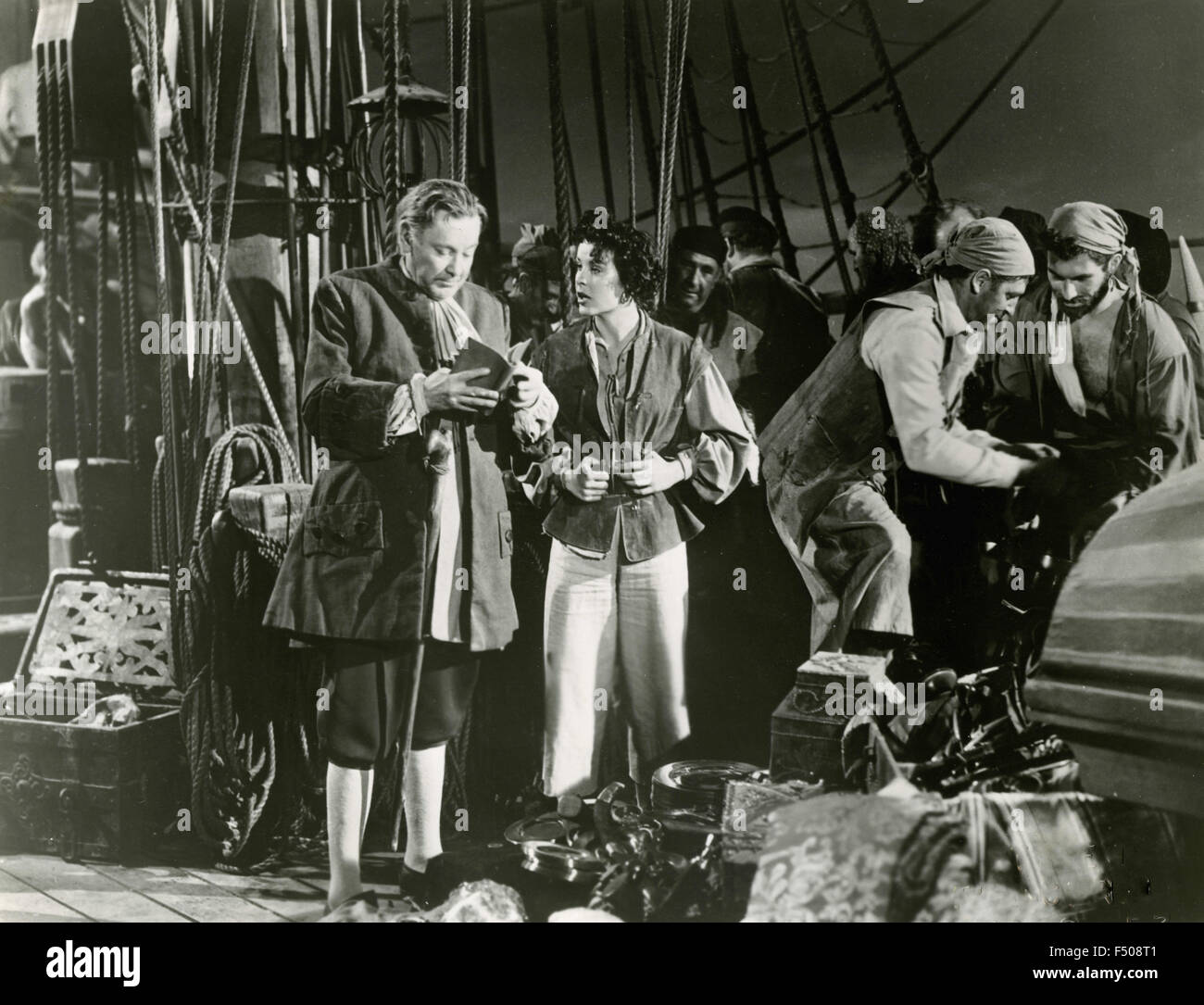 The actors Herbert Marshall and Jean Peters in a scene from the film 'Anne of the Indies', USA 1951 - Stock Image