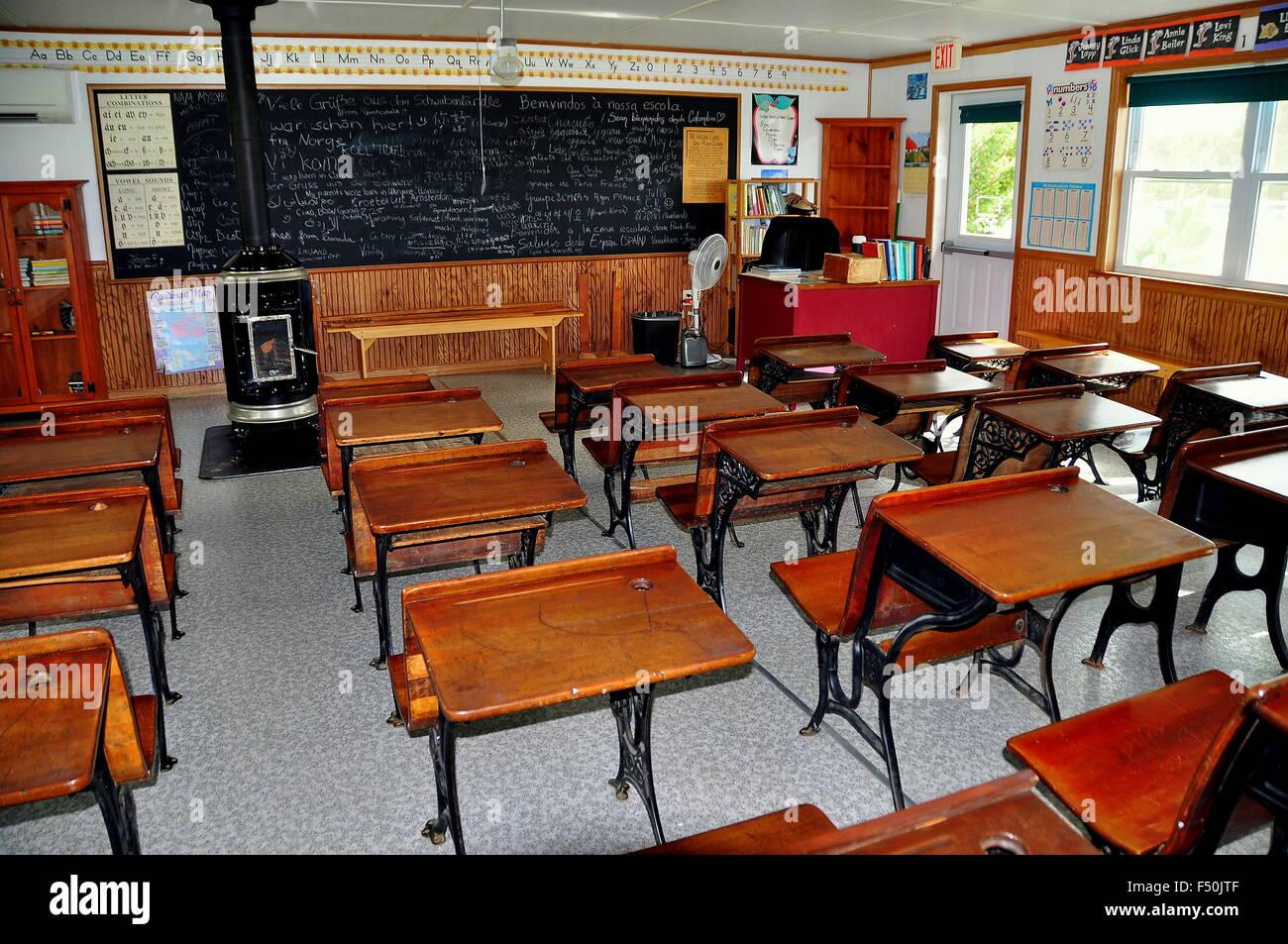 One Room Schoolhouse Interior Blackboard Stock Photos & One Room ...