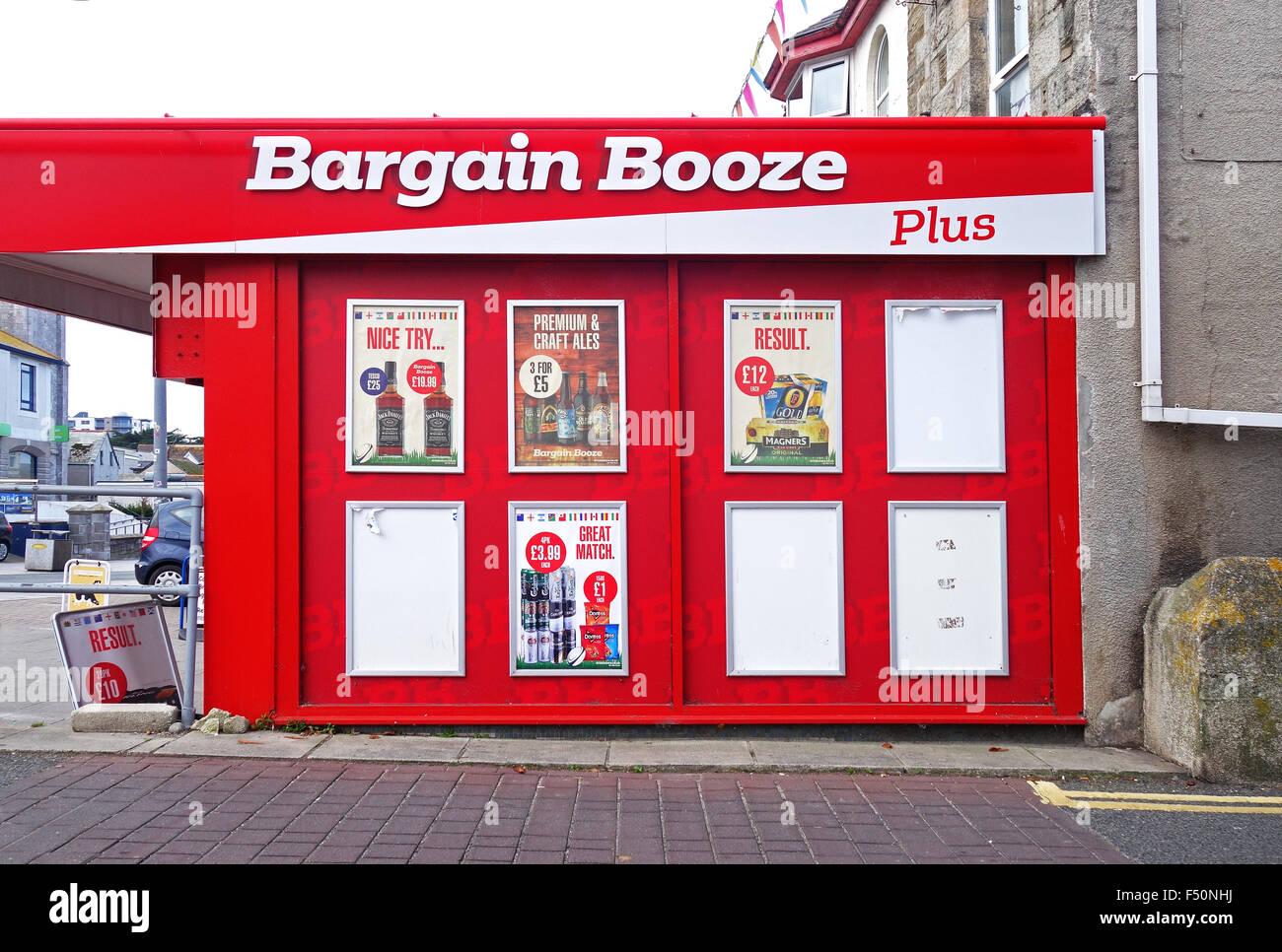 A Bargain Booze store - Stock Image