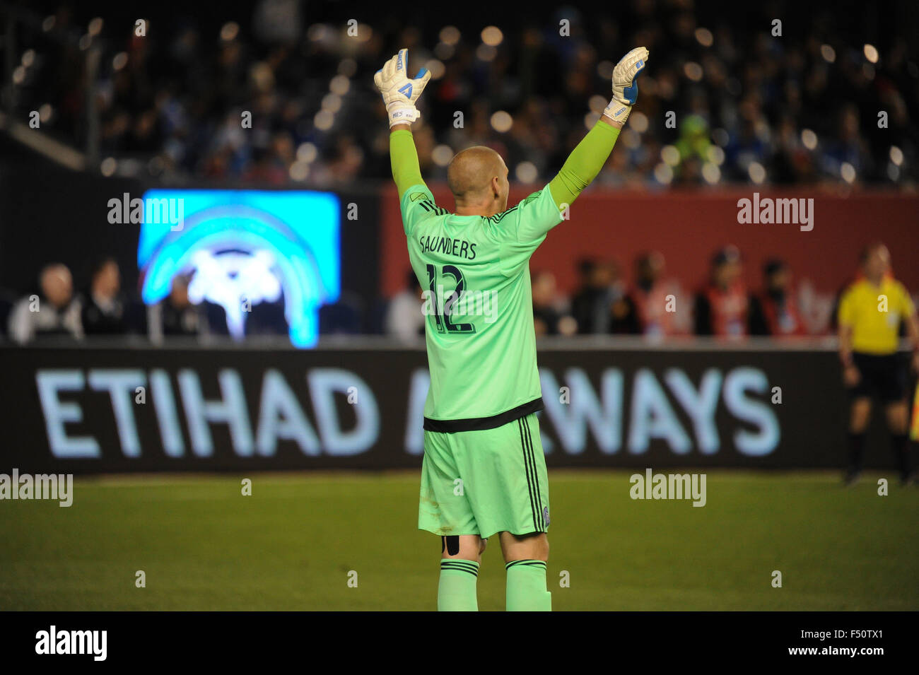 Bronx, New York, USA. 25th Oct, 2015. Josh Saunders (12) of NYCFC in action during a match against New England Revolution, - Stock Image