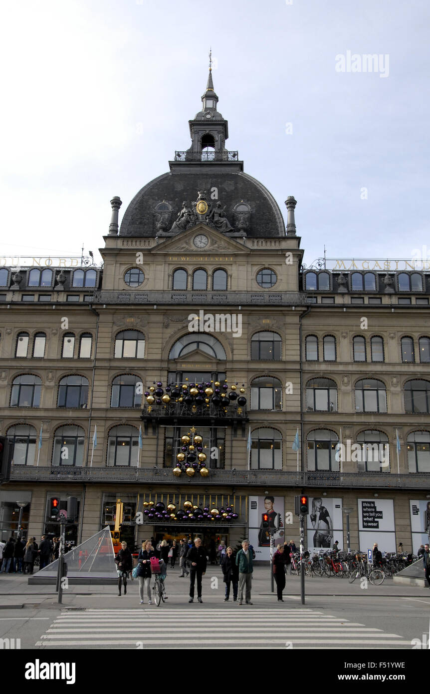 Copenhagen, Denmark. 26th October, 2015. Early Christmas decoration at Magasin du Nord at Kongens nytorv Credit: - Stock Image