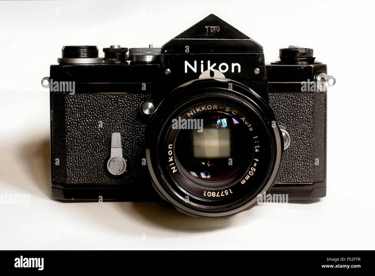 AJAXNETPHOTO. PHOTOGRAPHIC ICON - THE FAMED NIKON F 35MM SINGLE LENS REFLEX CAMERA LAUNCHED BY NIPPON KOGAKU TOKYO - Stock Image