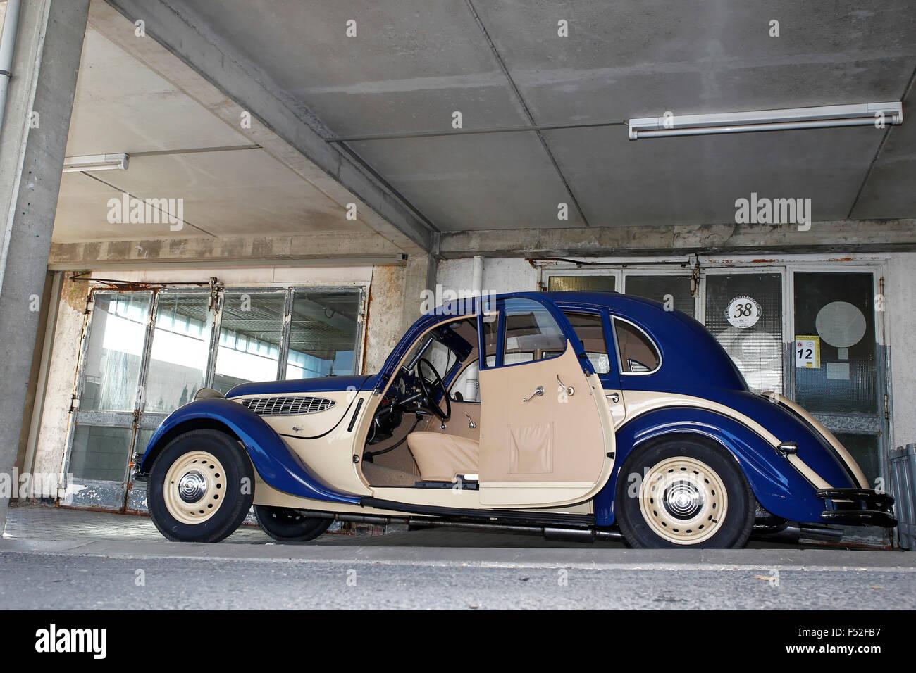 Car Bmw 326 Year Of Construction Unknown Vintage Car Blue Beige