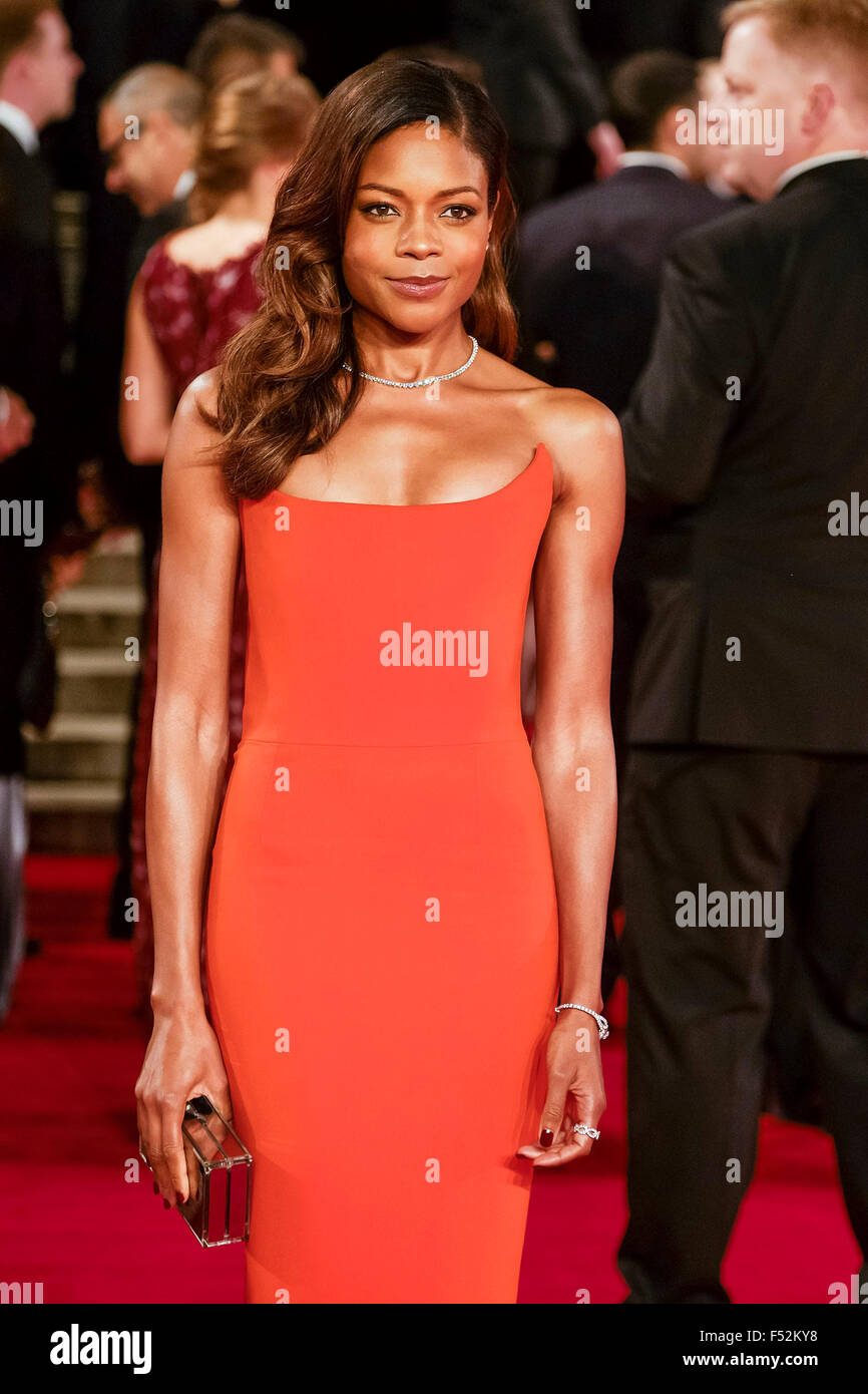 London, UK. 26th Oct, 2015. Naomie Harris arrives on the red carpet for the The CBTF Royal Film Performance 2015: - Stock Image