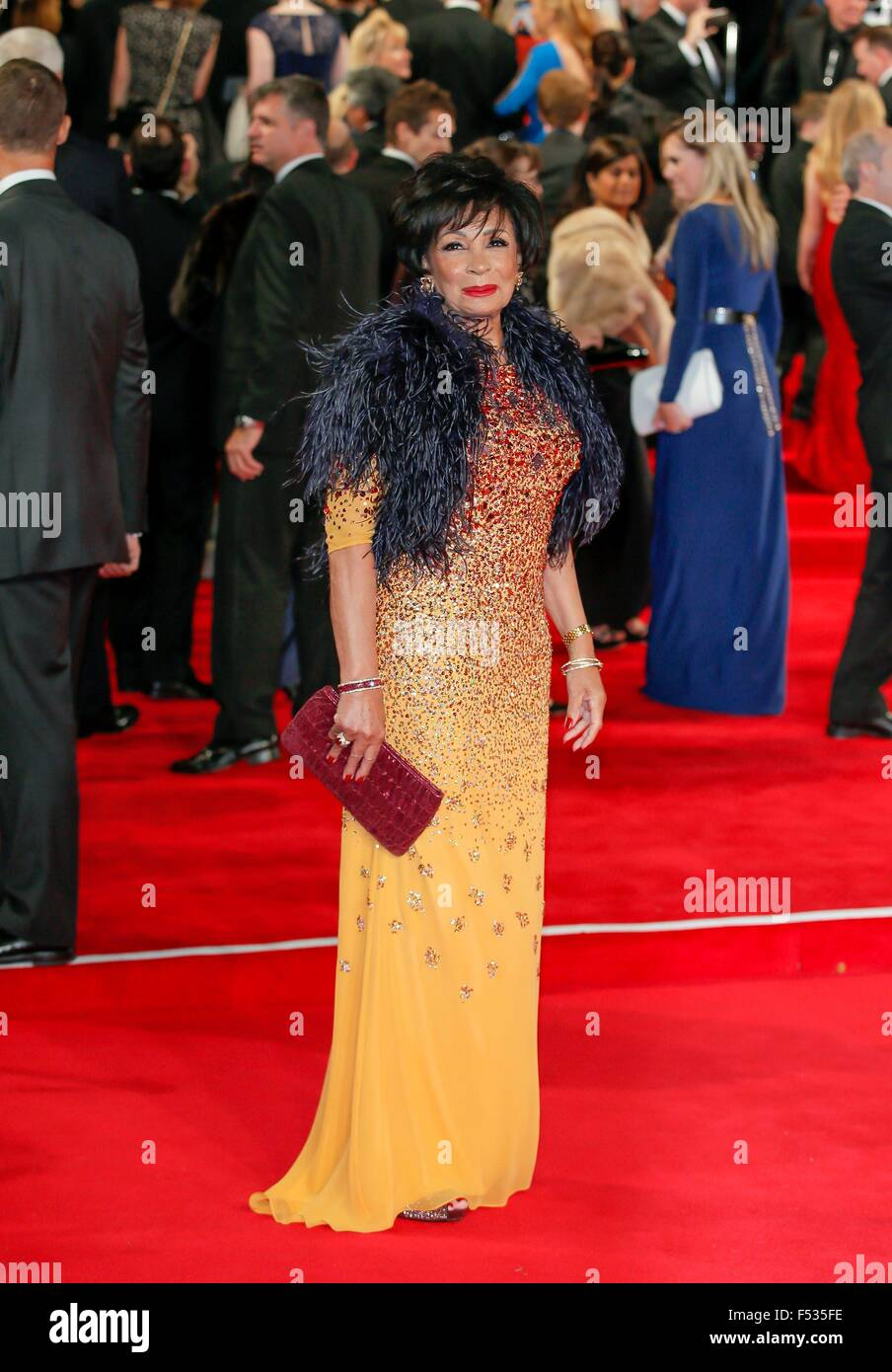 London, Britain. 26th Oct, 2015. British singer Shirley Bassey attends the world premiere of the new James Bond - Stock Image