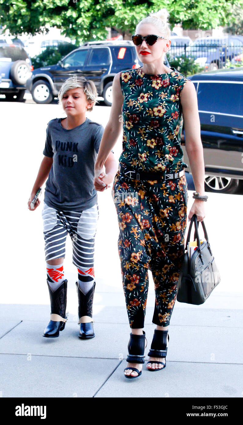 Gwen Stefani, Wearing No Wedding Ring, Is All Smiles As She Goes To Church  On Sunday Afternoon With Her Family Featuring: Gwen Stefani, Kingston  Rossdale ...