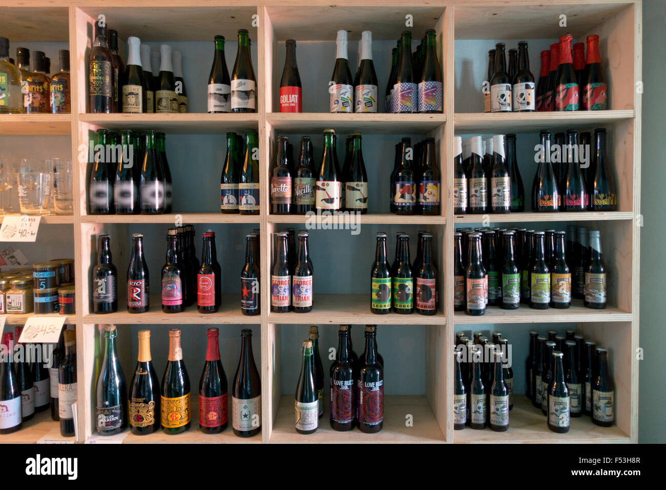 Mikkeller and Friends Bottle Shop neighbouring Mikkeller and Friends Bar on Stefansgade, Nørrebro, Copenhagen - Stock Image