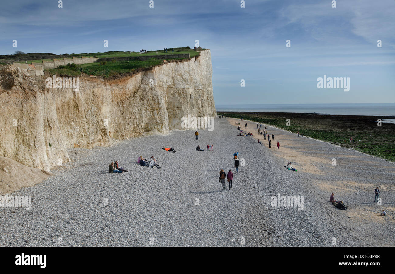Birling Gap. Seven Sisters, Beachy Head.  Visited all year round.  Access to beach at low tide from wooden steps - Stock Image