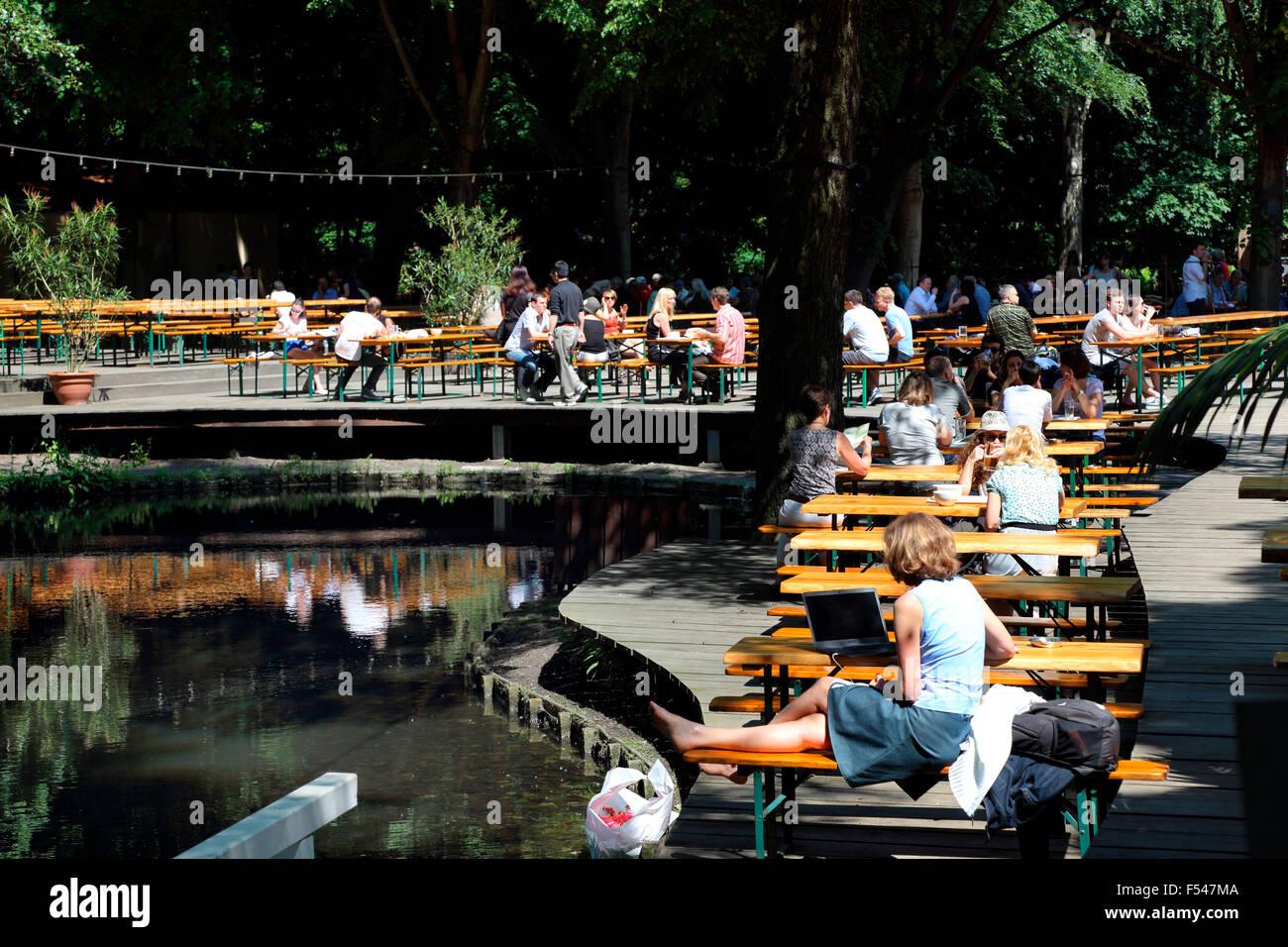 Berlin Cafe am neuen See Tiergarten - Stock Image