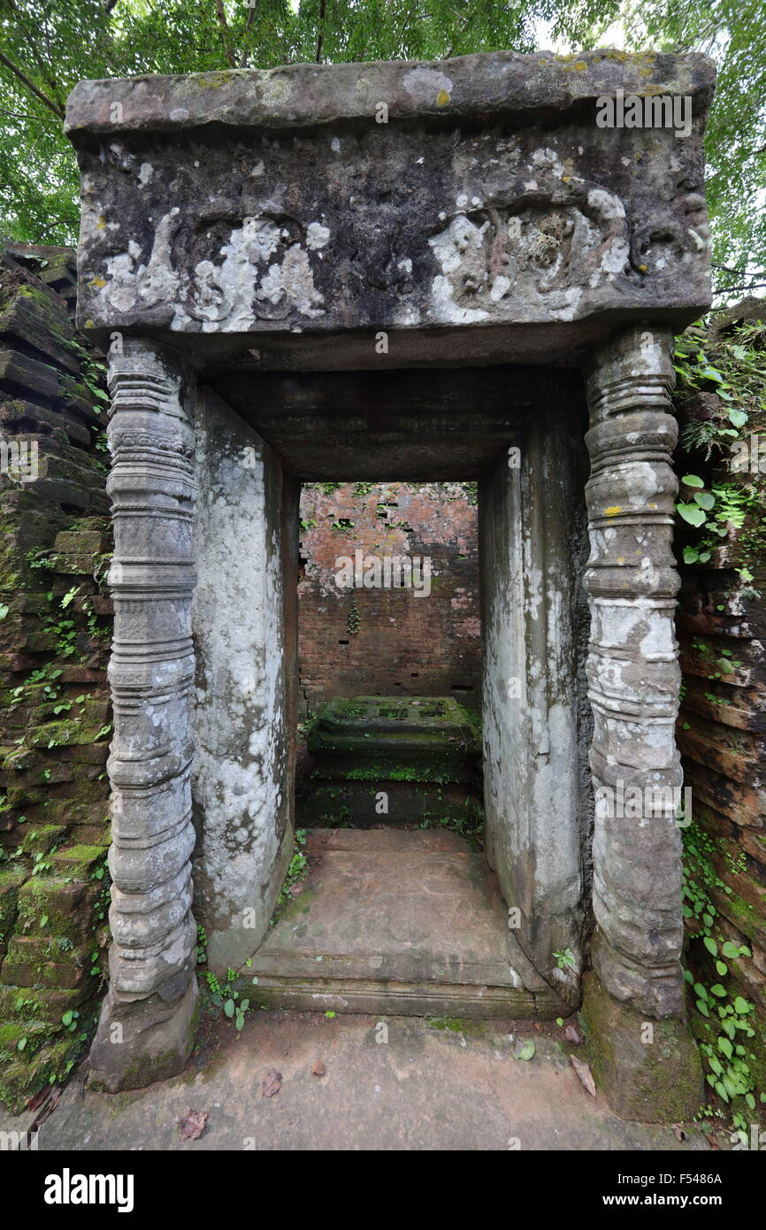Entrace to temple in Koh Ker - Stock Image