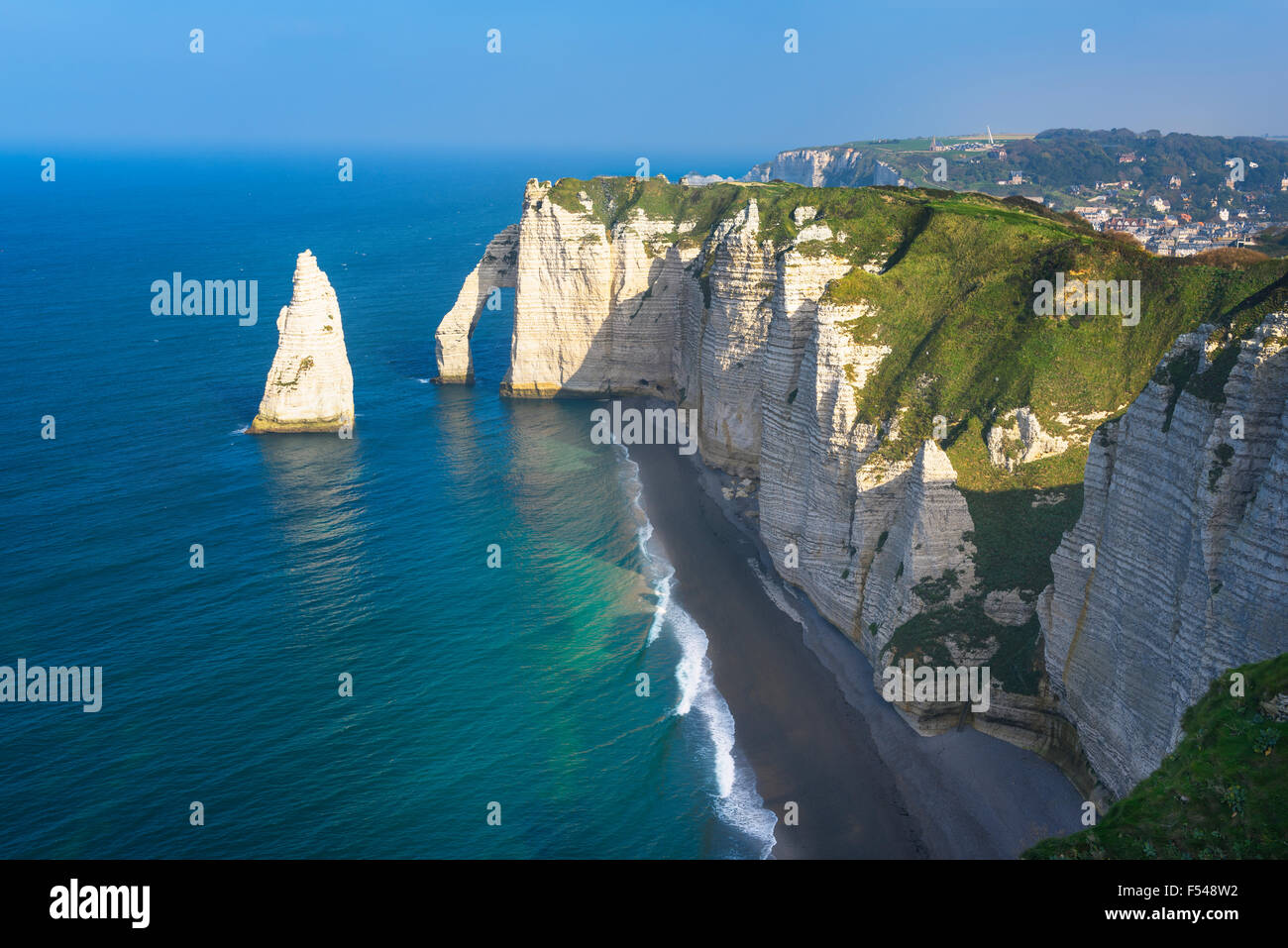 Falaise d'Amont cliff at Etretat, Normandy, France Stock Photo