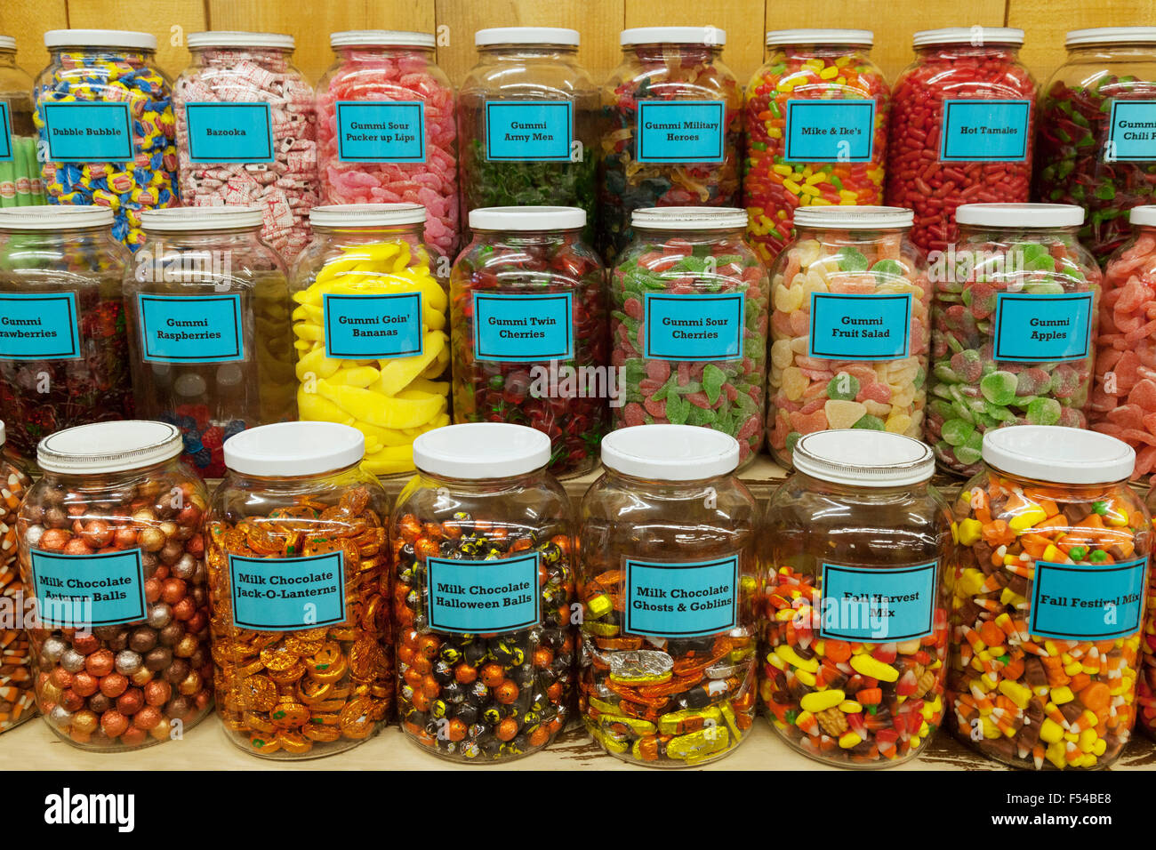 jars of colorful candy sweets chutters candy store. Black Bedroom Furniture Sets. Home Design Ideas