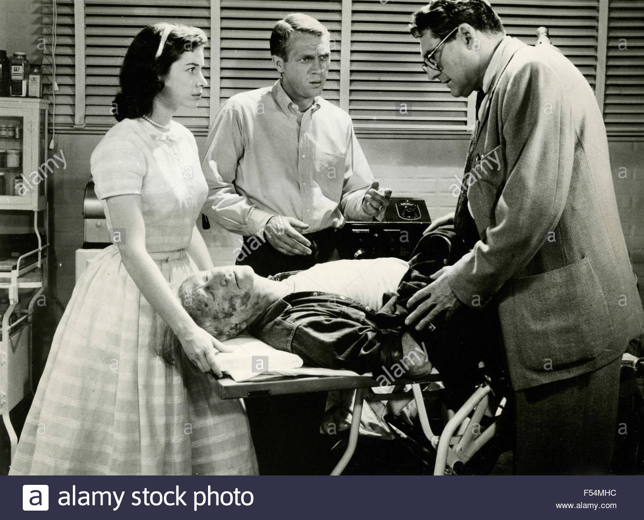 The actors Steve McQueen and Aneta Corsaut in the movie 'The Blob' - Stock Image