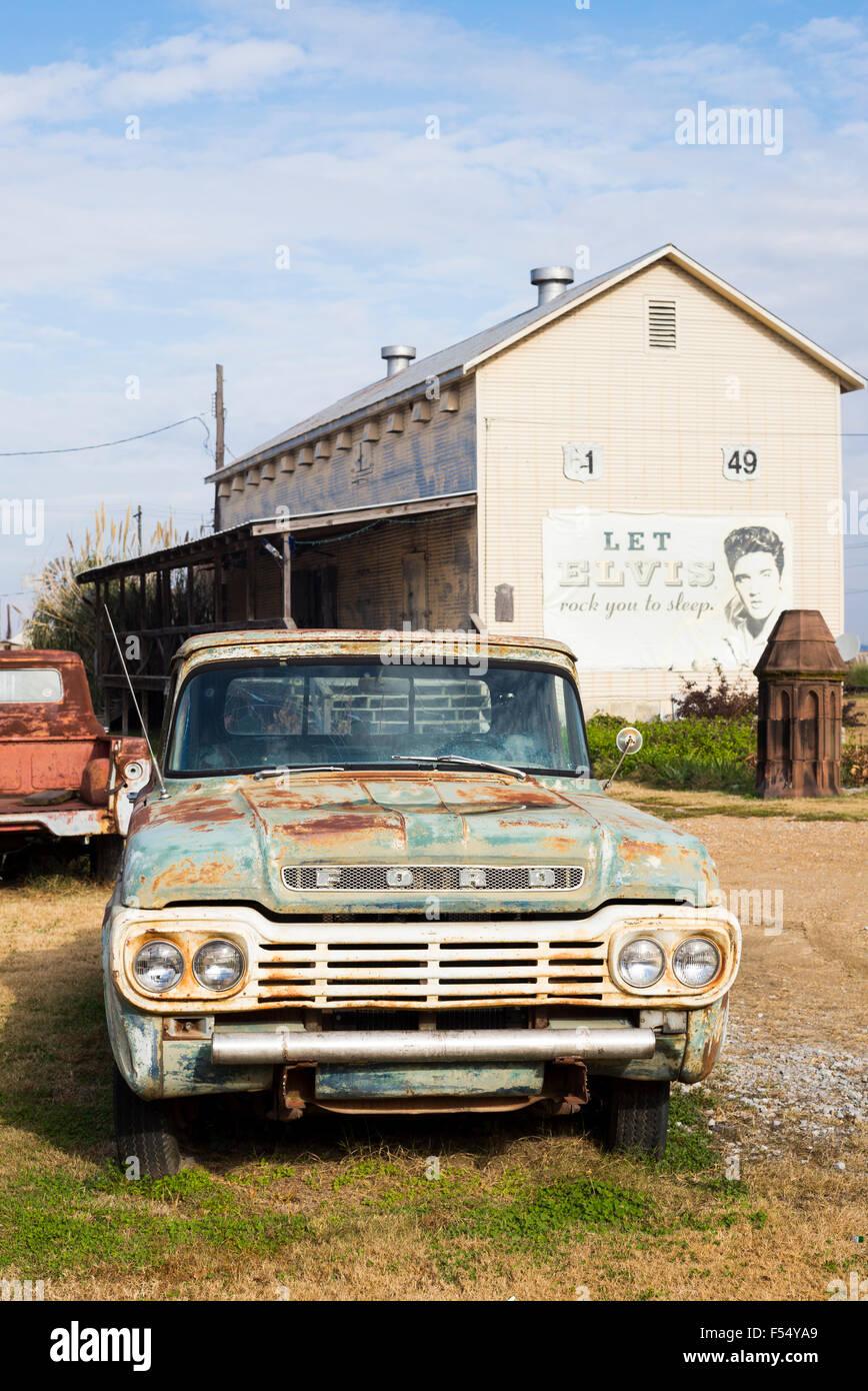 Old Pickup Trucks Stock Photos & Old Pickup Trucks Stock Images - Alamy