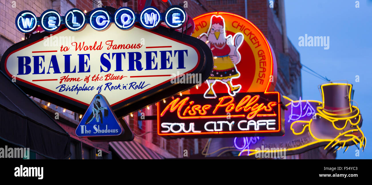 Diners, music venues in legendary Beale Street entertainment district famous for Rock and Roll and Blues, Memphis, - Stock Image