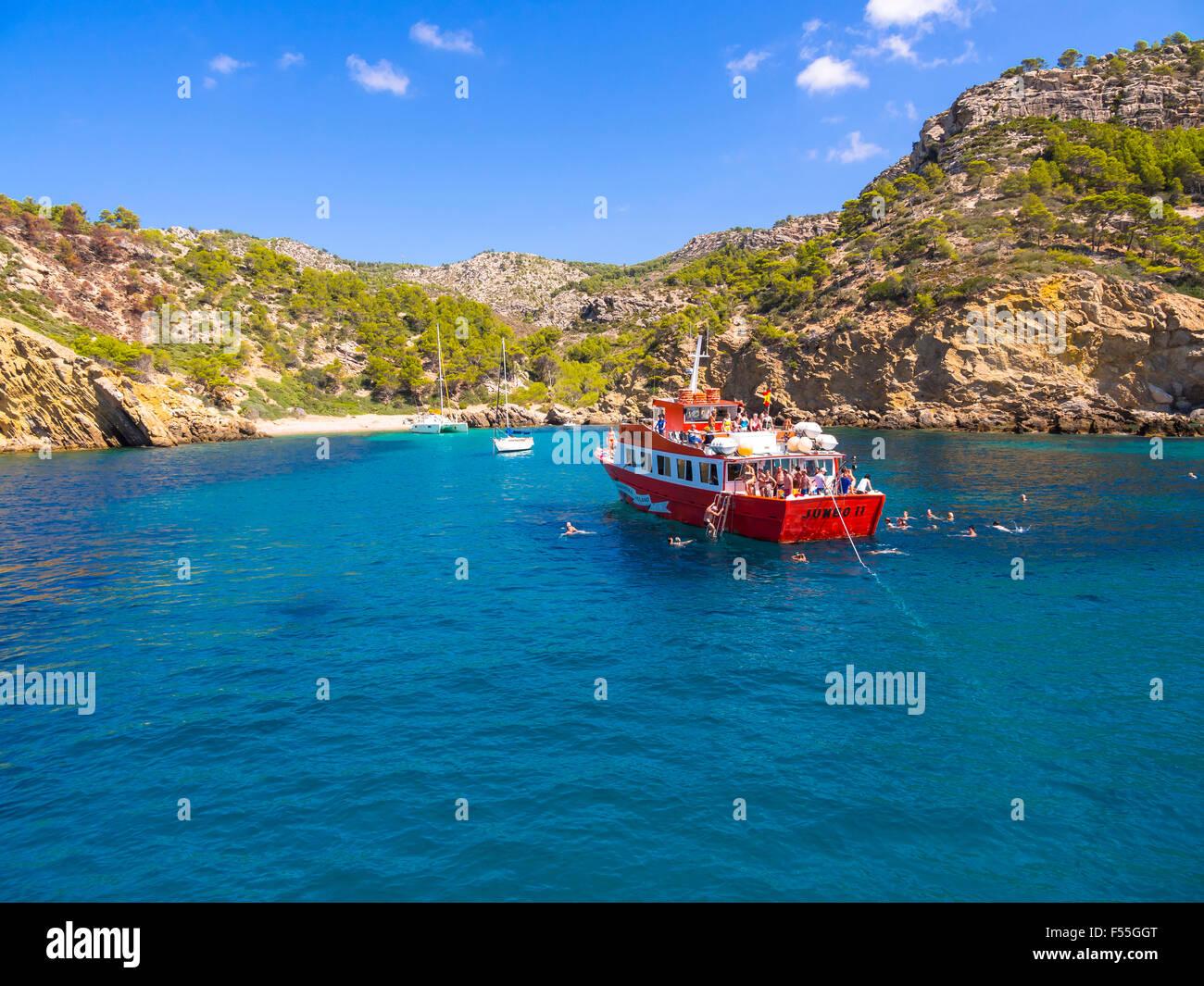 Spain, Mallorca, Region Andratx, Punta de Sa Dent, excursion boat - Stock Image
